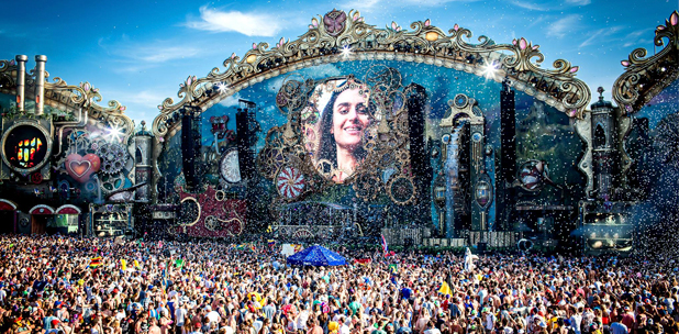TOMORROWLAND SE EXPANDE